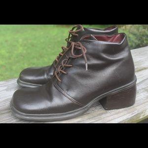 🌿Vtg 90s Lace Up Platform Leather Granny Boots